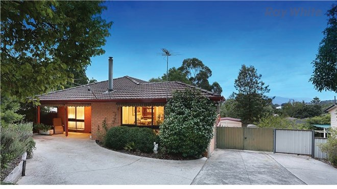 Picture of 11 Victory Avenue, Wandin North