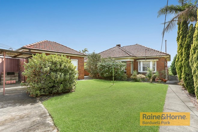 Picture of 30 Osroy Avenue, Earlwood