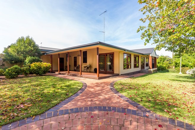 Picture of 56 Hyandra Street, Griffith