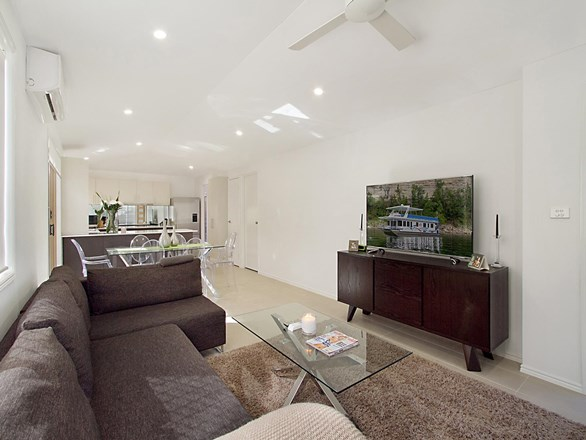 Picture of 1/15 Muscovey Avenue, Paradise Point