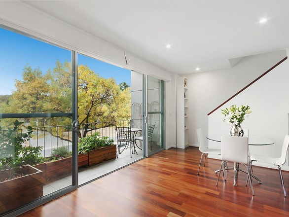 Picture of 10/10 Macpherson Street, O'connor