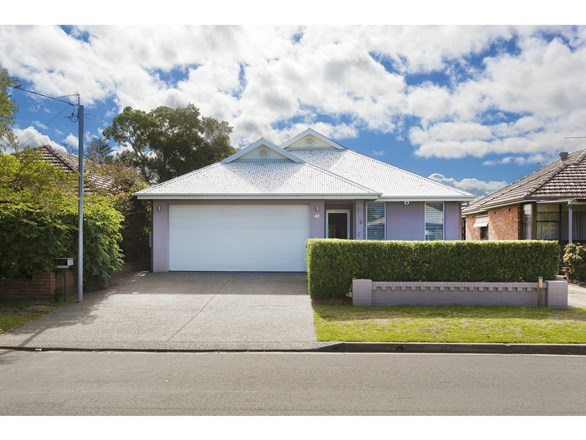 Picture of 42 Hibberd Street, Hamilton South