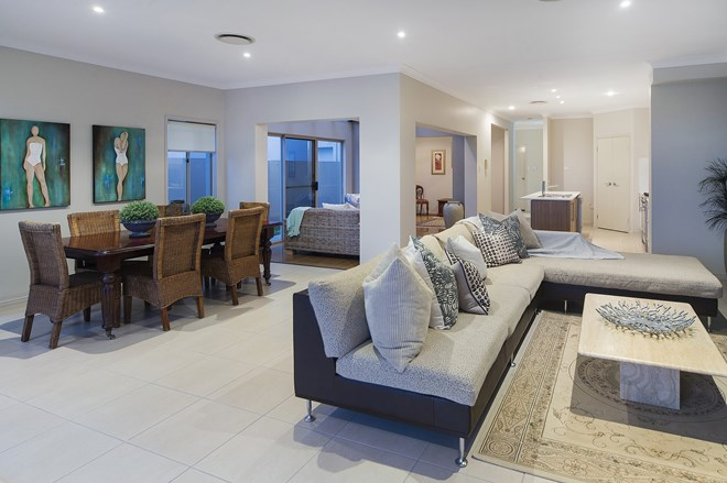 Picture of 34 River Links Boulevard East, Helensvale