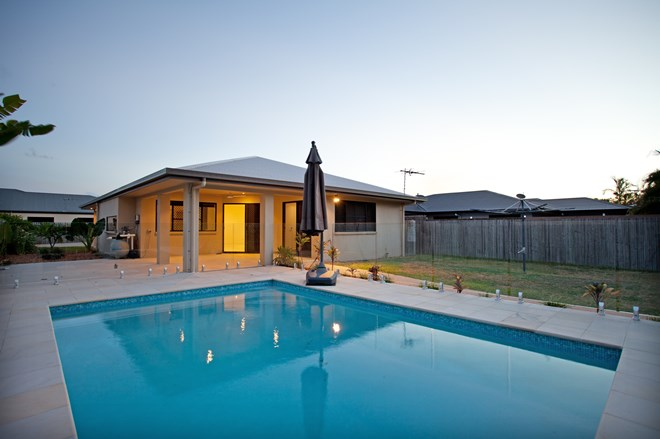 Picture of 34 Corella Way, Blacks Beach