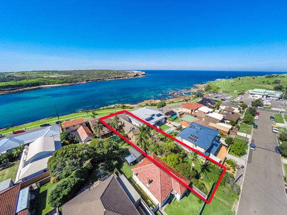 Picture of 9 Bay  Parade, Malabar