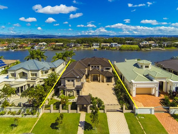 Picture of 25 Sir Bruce Small Boulevard, Benowa Waters