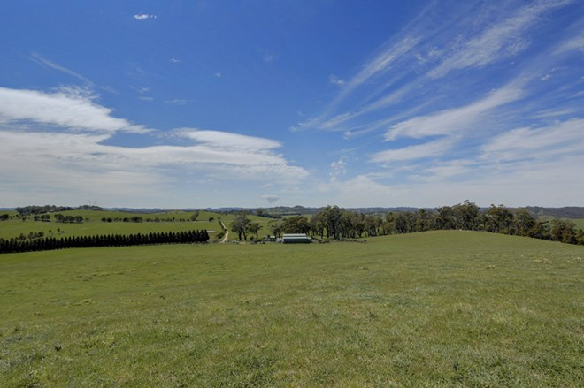 Picture of 'Sky Hill' Bibby's Lane, Moss Vale