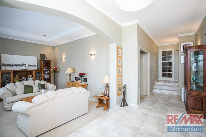 Picture of 27 Lupin Way, Coogee