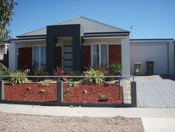 Picture of 3 Bowman Glen, Craigieburn