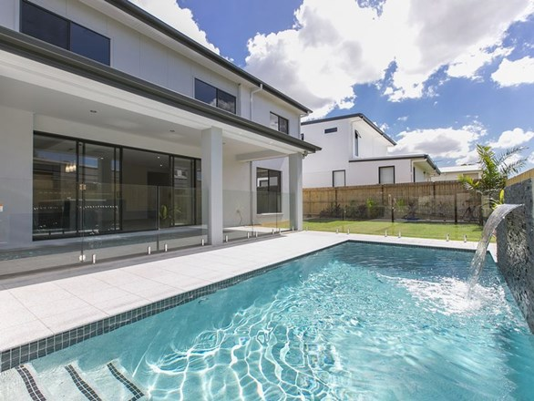 Picture of 11 Bulimba Parade, Bulimba