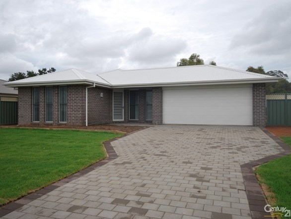 Picture of 18 Dunheved Circle, Dubbo