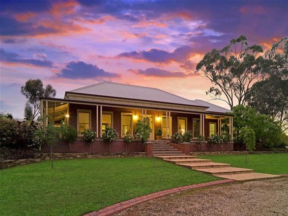 Picture of 5 Matheson Road, Castlemaine