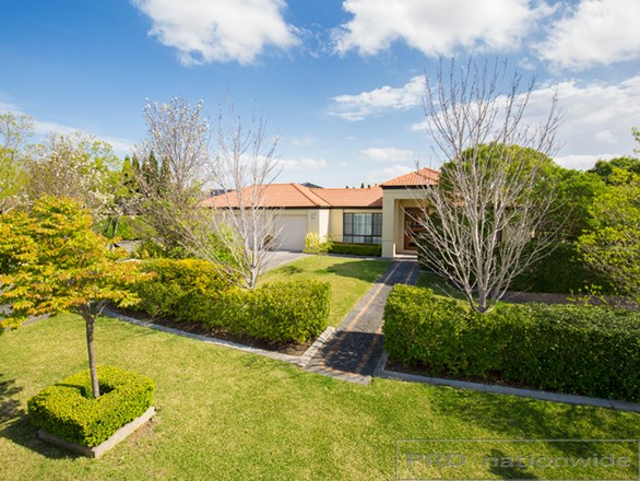 Picture of 4 Arcadia Close, Bolwarra Heights