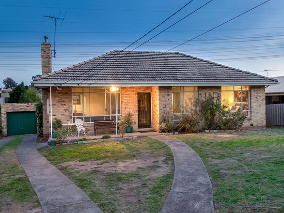 Picture of 38 Damon Road, Mount Waverley