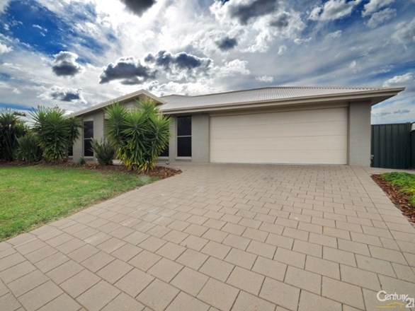 Picture of 13 Merion Way, Dubbo