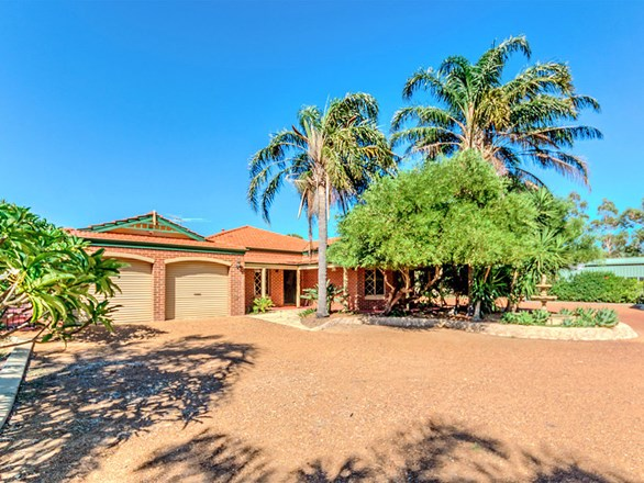 Picture of 48 Kentucky Drive West, Darling Downs