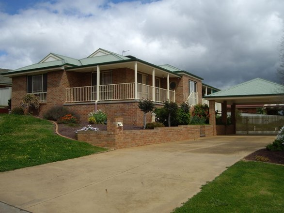 Picture of 12 Newman Crescent, Wodonga