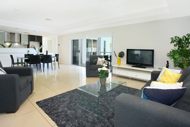 Picture of 5 Onshore Place, Helensvale