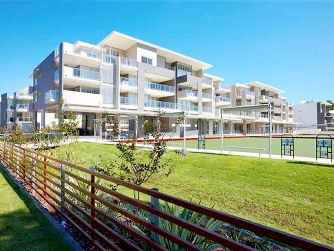 10/95 Clarence Road, Indooroopilly QLD 4068