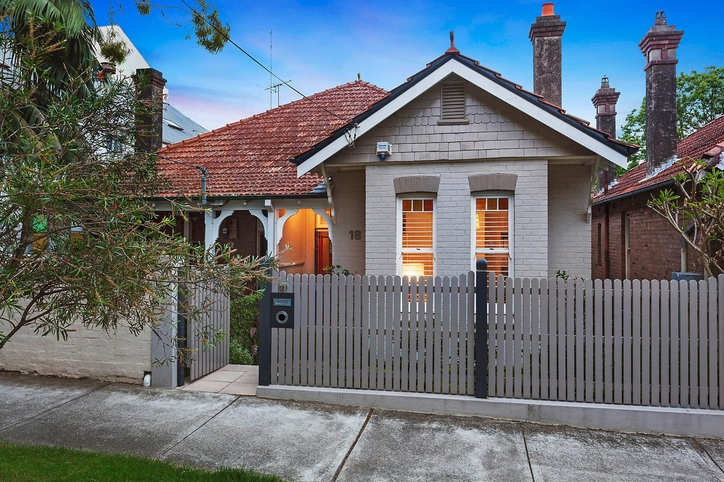 Sold price for 18 hayberry street crows nest nsw 2065 for Crows nest house plans