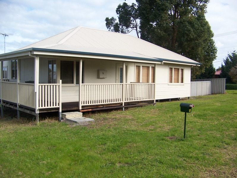 * 5 FAWDON PLACE, Collie WA 6225, Image 0