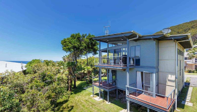 97 newman ave blueys beach nsw 2428 house for sale for Beach house plans nsw