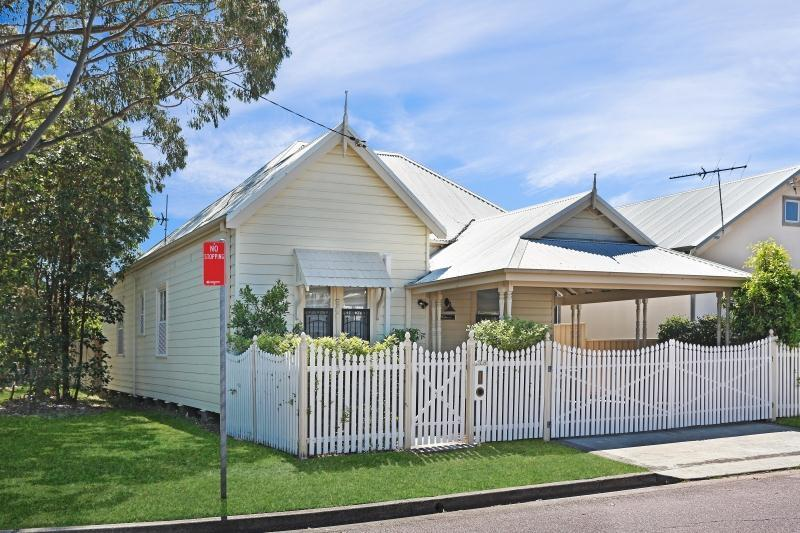 Sold 38 newcastle street mayfield nsw 2304 on 20 oct 2015 for Home designs newcastle nsw