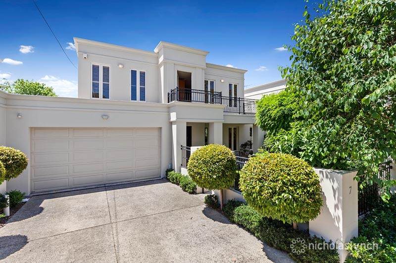 Picture of 7 Bruarong Crescent, Frankston South