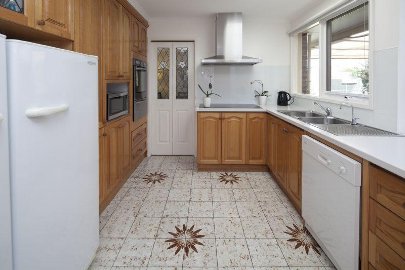 Sold 30 Cheviot Road Keysborough VIC 3173 On 12 Feb 2016