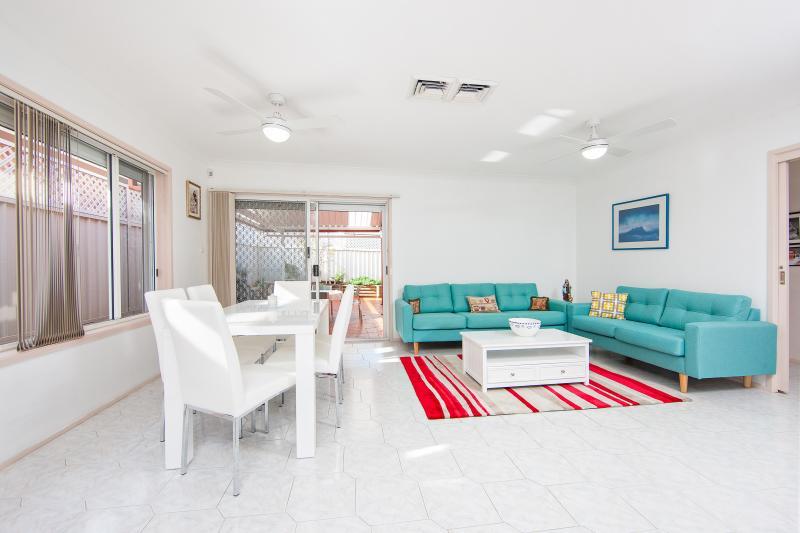 19 Martens Place, Abbotsbury NSW 2176, Image 2