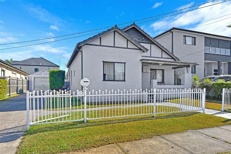 Picture of 33 Columbine Avenue, Bankstown