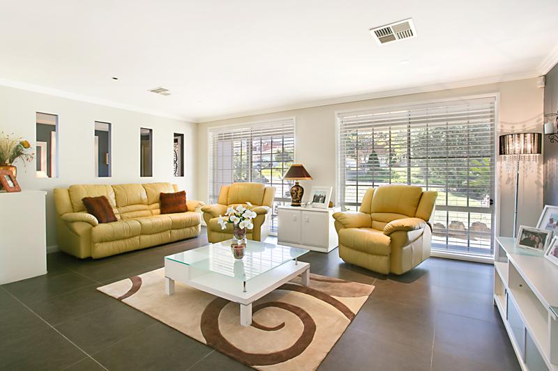 8 Martens Place, Abbotsbury NSW 2176, Image 2