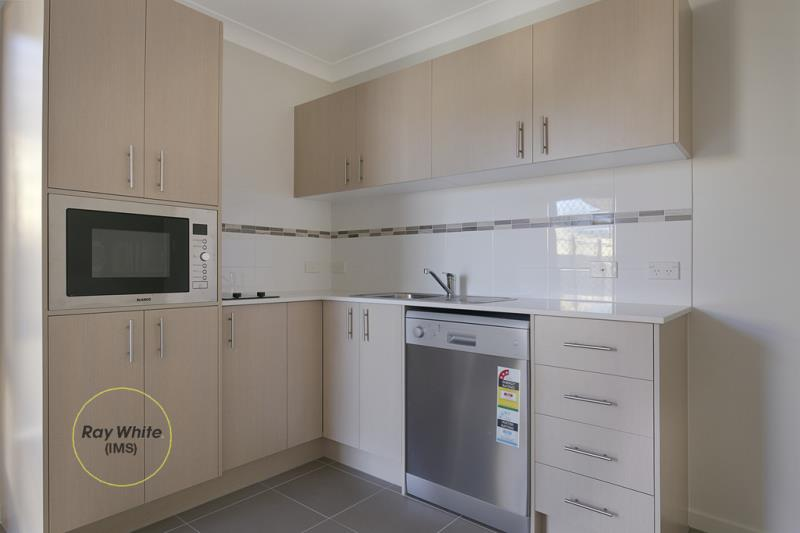 2/43 Br Ted Magee Drive, Collingwood Park QLD 4301, Image 1