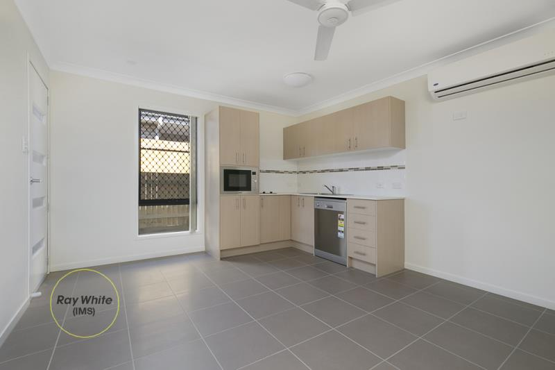 2/43 Br Ted Magee Drive, Collingwood Park QLD 4301, Image 2