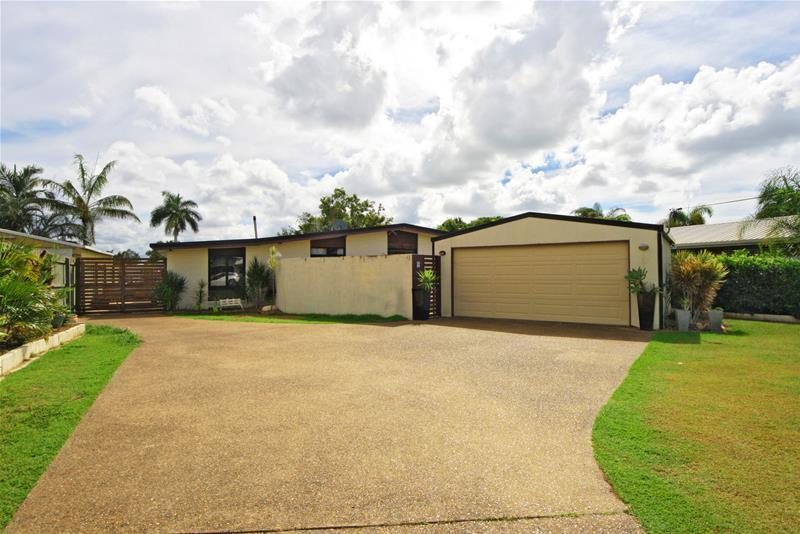 Man Cave Bar For Sale Brisbane : Johnston street millbank qld house for sale