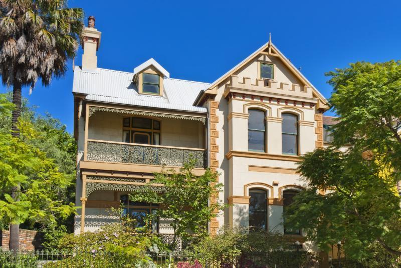 Sold 64 carabella street kirribilli nsw 2061 on 11 jul for Kirribilli house floor plan