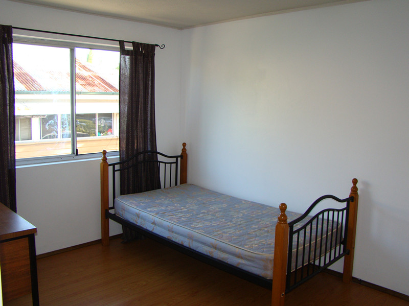 4/203 Scarborough st, Southport