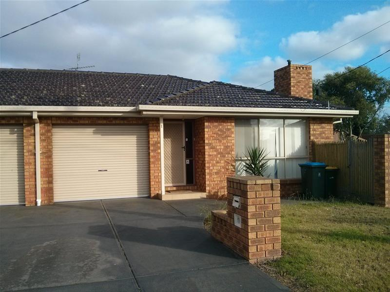 1 1 Florence Court Werribee Vic 3030 House For Rent 270