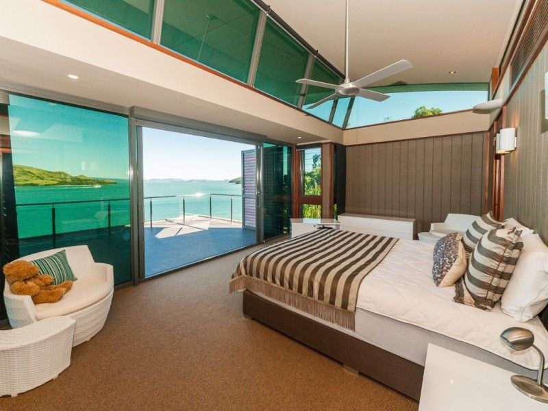 22 yacht club villa hamilton island qld 4803 villa for. Black Bedroom Furniture Sets. Home Design Ideas