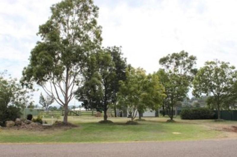 2/2 Jean O'Bryan Close, Aberdeen NSW 2336, Image 1