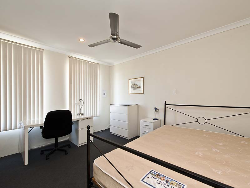 Sold 53a lakeside drive joondalup wa 6027 on 05 jun 2015 for Beds joondalup