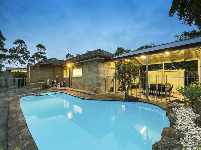 Sold 891 High Street Road Glen Waverley Vic 3150 On 07 Oct 2015 For 1 037 000