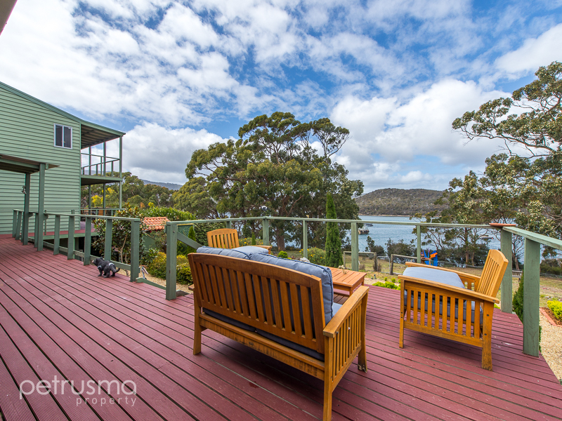 143 roaring beach road nubeena tas 7184 house for sale for Beach house designs tasmania