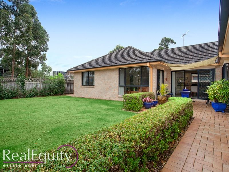 Sold 44 yachtsman drive chipping norton nsw 2170 on 09 for Perfect kitchens chipping norton