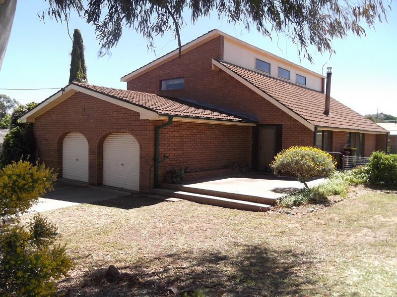 Photo of 32 comerford Cowra, NSW 2794
