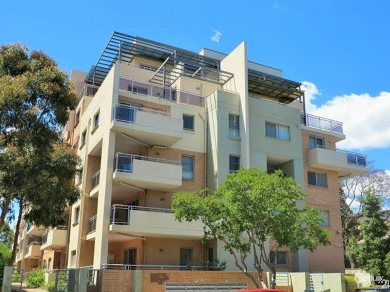 Sold 23 20 22 george street liverpool nsw 2170 on 04 feb for Kitchens liverpool nsw