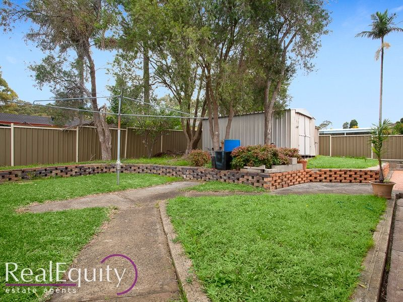 100 alfred road chipping norton nsw 2170 house for sale for Perfect kitchens chipping norton