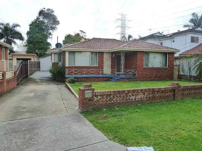 Picture of 2 MERRETT Crescent, Greenacre