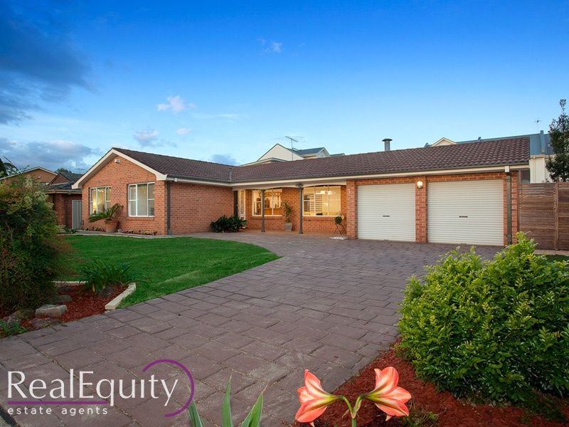 3 sammut crescent chipping norton nsw 2170 house for for Kitchens chipping norton