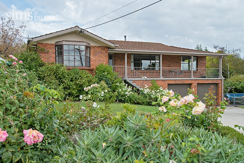 Sold 11 matthew place west launceston tas 7250 on 01 feb for Home designs launceston
